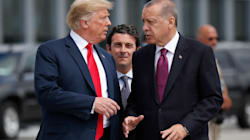 Trump amenaza a Turquía con devastación económica si ataca a combatientes