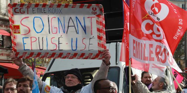 Des infirmiers manifestant à Paris le 8 novembre 2016.