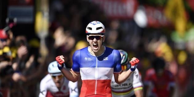 Arnaud Démare vainqueur du sprint à Vittel le 4 juillet 2017.