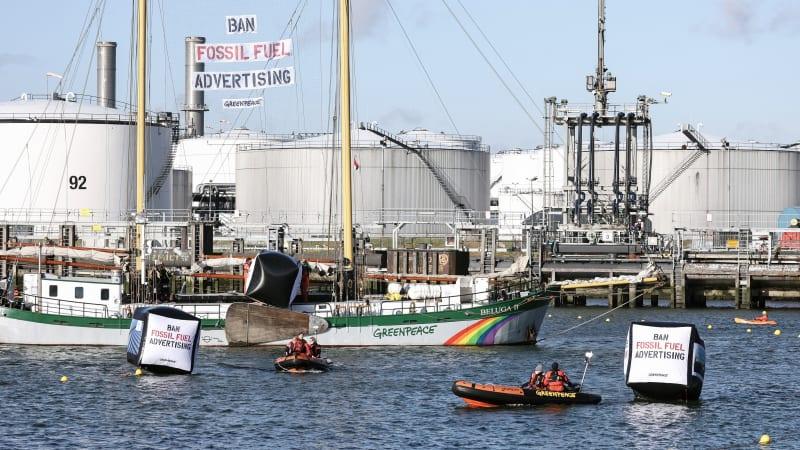 """Aktivisten starten Kampagne """"Verbot von Werbung für fossile Brennstoffe"""" in Europa€"""