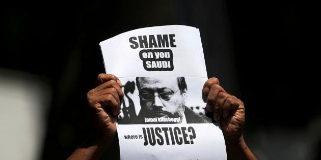"""Ryad évoque le meurtre de Khashoggi comme """"un acte prémédité"""" pour la première fois (photo d'illustration prise au Sri Lanka, dans une manifestation de soutien au journaliste assassiné)"""