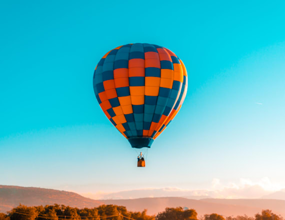 Hot air balloon makes emergency landing in San Diego