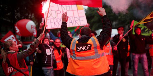 La future convention collective, raison pour laquelle la grève va continuer à la SNCF.