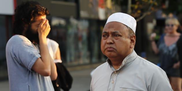 Atropelamento em mesquita de Londres é investigado como 'ataque terrorista'.