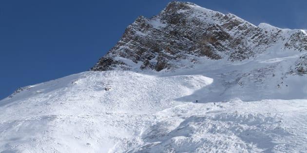 Le site d'une avalanche à Tignes, dans les Alpes, photographié en février (Image d'illustration).