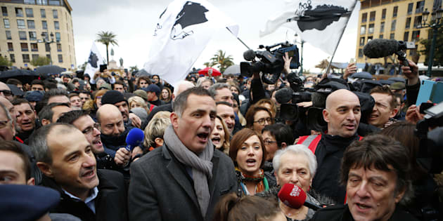 Gilles Simeoni et Jean-Guy Talamoni lors de la manifestation du 3 février 2018 à Ajaccio.