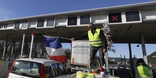 Opérations péages gratuits de gilets jaunes: Vinci demande aux automobilistes de rendre l'argent (Photo d'illustration prise le 4 décembre 2018).