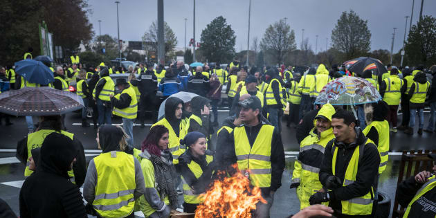 le bilan du 17 novembre des gilets jaunes en cinq chiffres le huffington post. Black Bedroom Furniture Sets. Home Design Ideas