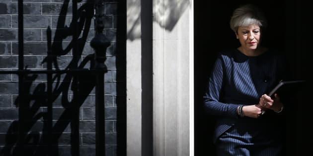 Pourquoi Theresa May veut anticiper de trois ans les élections législatives britanniques