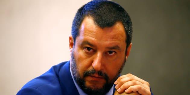 """Matteo Salvini: """"Le ong sono avvoltoi in cerca di barco"""