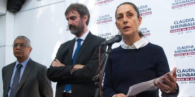 Claudia Sheinbaum Pardo, jefa del Gobierno Electa en conferencia de prensa presento la 10 Reglas del Buen Conductor, este medio día en la casa de transición.