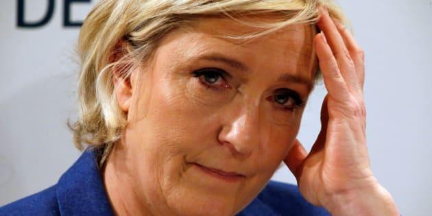 Marine Le Pen lors d'une conférence à Puteaux le 6 mars 2017.