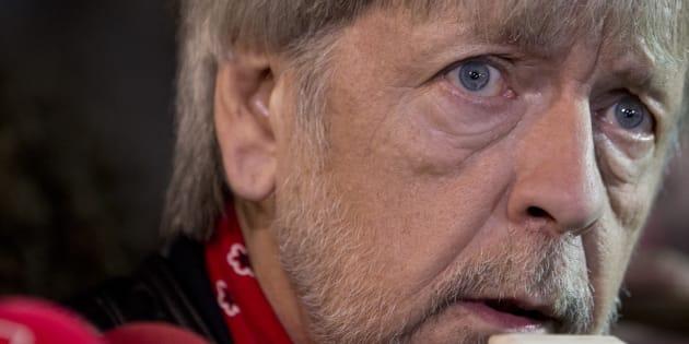 """Présidentielle 2017: le chanteur Renaud votera Emmanuel Macron, """"le seul sans casserole aux culs"""""""