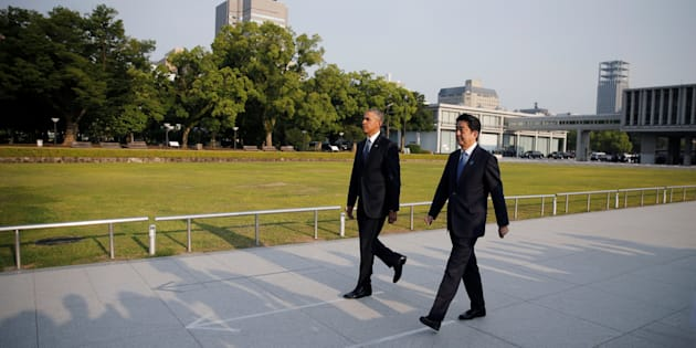 Barack Obama et Shinzo Abe à Hiroshima le 27 mai 2016.