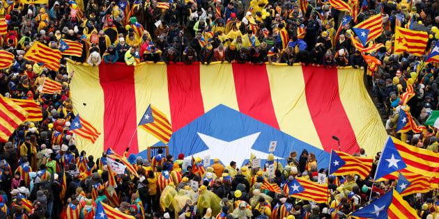 Manifestación a favor de Carles Puigdemont en Bruselas. REUTERS/Francois Lenoir