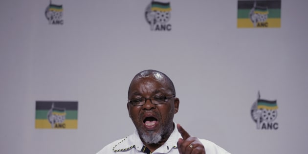 African National Congress (ANC) Secretary General Gwede Mantashe gestures during a media briefing in Johannesburg, after South African President Jacob Zuma addressed the nation in response to this week's Constitutional Court judgment on security upgrades to his private Nkandla residence, April 1, 2016.