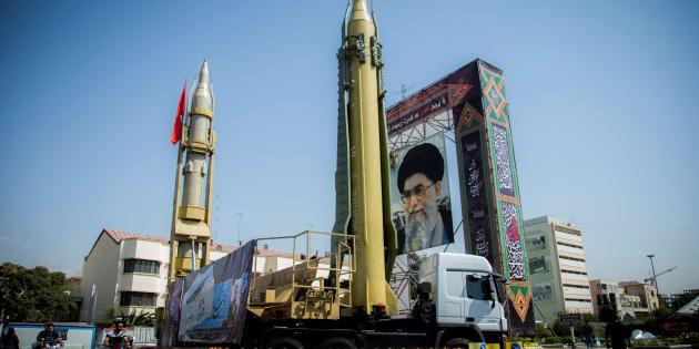 Un dispositif figurant des missiles et le Guide suprême Ali Khamenei à Téhéran, le 27 septembre 2017.