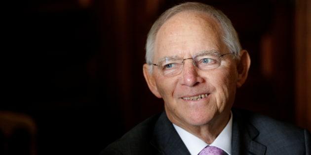 Il giorno di Wolfgang Schäuble al Bundestag. Di fronte a lui il Parlamento più grande, indisciplinato e disfunzionale che mai