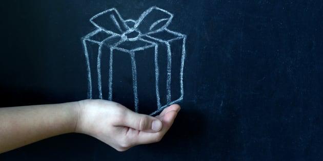 Pourquoi il est important que vos enfants offrent un cadeau à leur maître ou leur maîtresse.