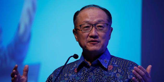 World Bank Group President Jim Yong Kim delivers a speech during the Indonesia Infrastructure Finance Forum in Jakarta,  Indonesia, July 25, 2017.  REUTERS/Beawiharta