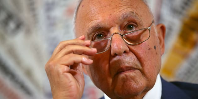 Presunta usura bancaria, indagato a Campobasso il ministro Savona