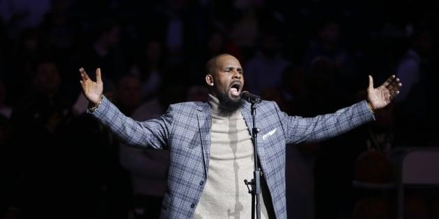R. Kelly lors d'un concert en 2015.  (photo d'illustration)