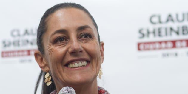 Claudia Sheinbaum Pardo en una última conferencia en la casa de transición, que antes fue casa de campaña.