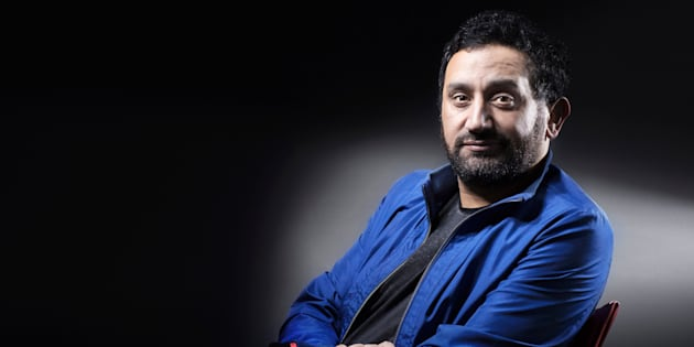 Cyril Hanouna pose en juin 2016 à Paris