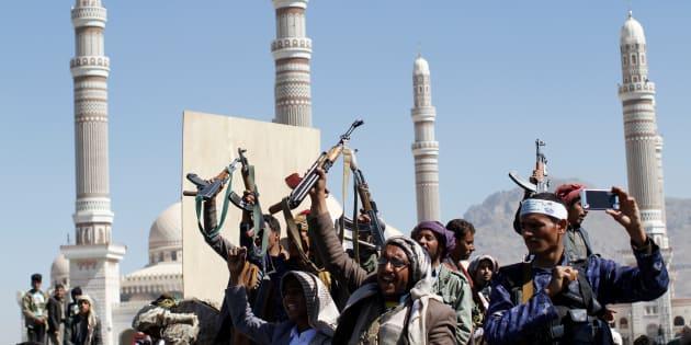 Forte esplosione a Riad. Houthi rivendicano: