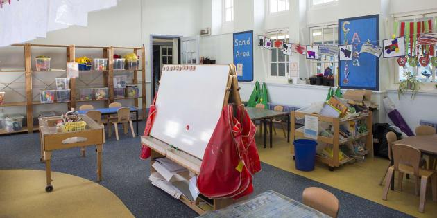 Dédoublement des classes de CP: des enseignants contraints de partager leur salle avec un collègue.
