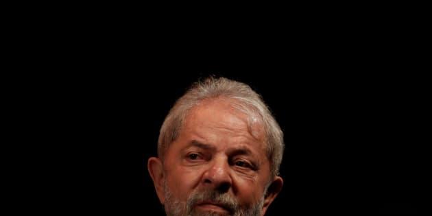 O ex-presidente foi condenado a 12 anos e um mês de prisão pelo TRF-4.