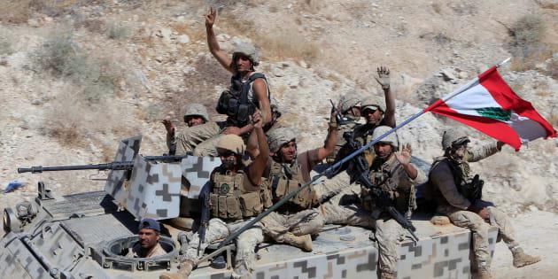 Soldati dell'esercito libanese di ritorno da Ras Baalbek, superata la frontiera montana dove hanno sostenuto un'offensiva contro lo stato islamico