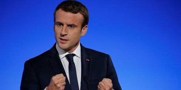 """Pour Macron, la destitution de d'al-Assad n'est pas une """"condition préalable"""" à des discussions avec la Syrie."""