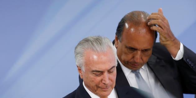 Presidente Michel Temer e governador do Rio de Janeiro, Luiz Fernando Pezão, anunciam intervenção federal no Estado.