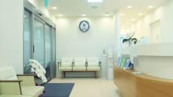 Parte un colpo di pistola dalla stanza accanto, paziente muore in uno studio medico a