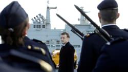 Devant les militaires, Macron promet que le service national sera bien créé pendant le
