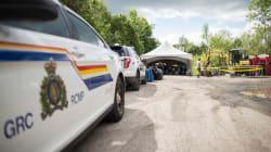 Un dépliant explique comment entrer au Canada par «le passage