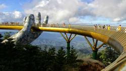 #FOTOS El nuevo Golden Bridge en Vietnam es el puente más hermoso del