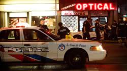 Due morti e 14 feriti in una sparatoria in strada a