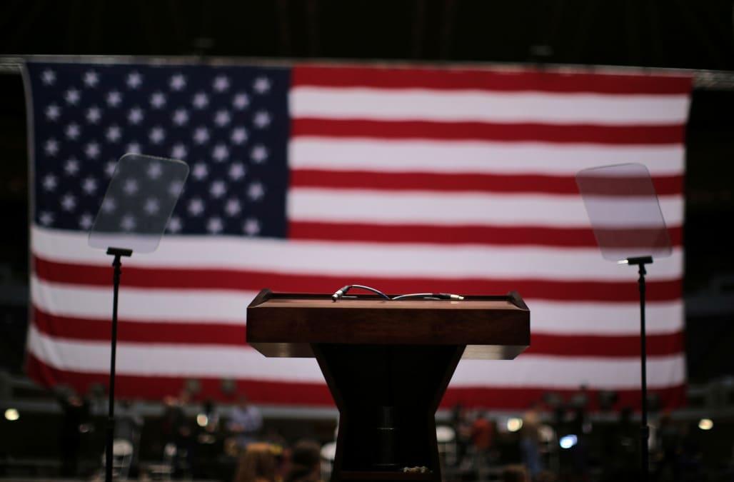 Democrats reveal new 2020 presidential frontrunner - AOL News