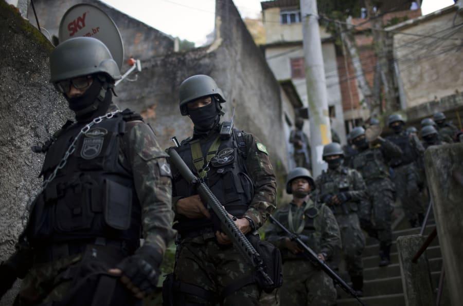 """Forças Armadas foram convocadas para """"recuperar a capacidade operativa dos órgãos de segurança pública"""" do Rio."""