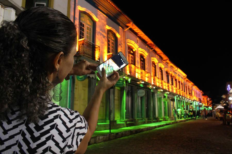 Luzes de Mariana são um dos atributos principais do Natal na cidade mineira.