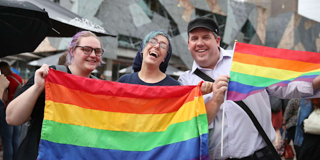 Casamento gay é aprovado na Austrália.
