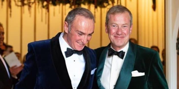 """Ivar Mountbatten, cousin de la reine Elizabeth II, a dit """"oui"""" à son compagnon, 1er mariage gay dans la famille royale"""