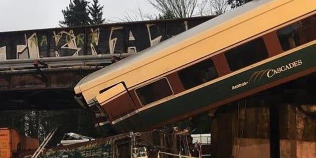 """Treno deraglia nello Stato di Washington, media Usa: """"Ci sono almeno tre morti"""""""