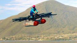 Cette moto volante, financée par le fondateur de Google, sera en vente cette