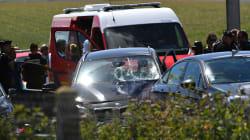 Un'automobile travolge un gruppo di soldati a Parigi: 6 feriti. Fermato un uomo in autostrada dopo uno scontro a
