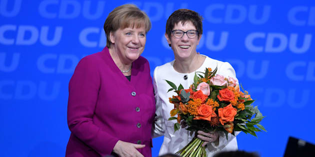 "Annegret Kramp-Karrenbauer, la ""mini-Merkel"" élue à la tête de la CDU"