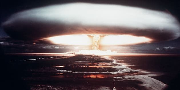 Une explosion nucléaire prise en 1971, sur l'atoll de Mururoa.