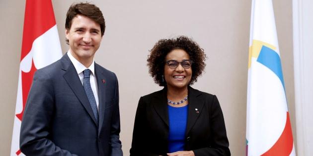 En visite officielle en France où il a été reçu par le président français Emmanuel Macron, le premier ministre du Canada Justin Trudeau a apporté son soutien inconditionnel à Michaëlle Jean.